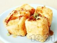 Рецепта Бобени кюфтенца с бял чеснов сос от заквасена сметана и сушени гъби